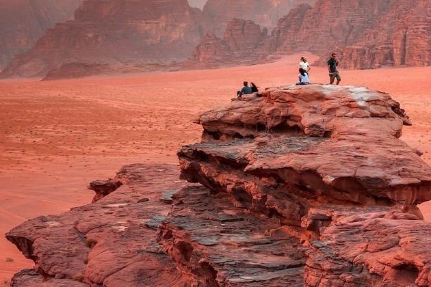 Biblinės vietos ir Mėnulio peizažai pažintinėje kelionėje į Jordaniją už 745€: gido paslaugos, ekskursijos