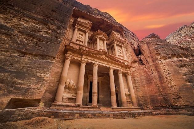 Pažintinė kelionė prarastąją ir atrastąją karalystę Jordaniją už 520€: gido paslaugos, ekskursijos, Jordanijos viza